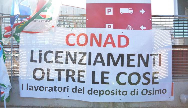 Auchan Tavoli Da Giardino.Vertenza Conad Auchan Nuovo Presidio Al Deposito Di Osimo Il